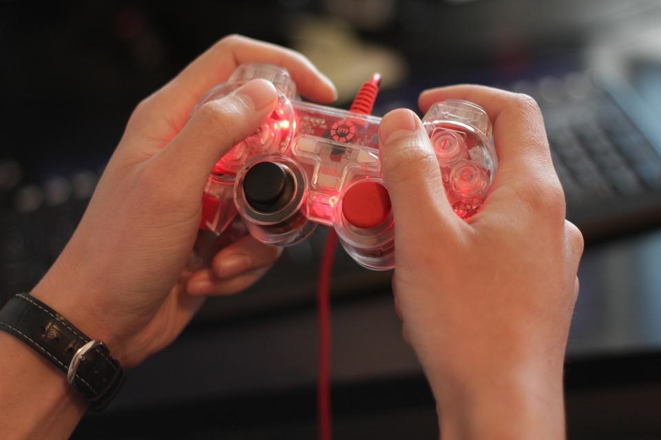 gamer-565585_960_720